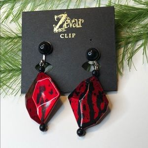 🍭 NWT! ZEVAR red/black clip on dangle earrings